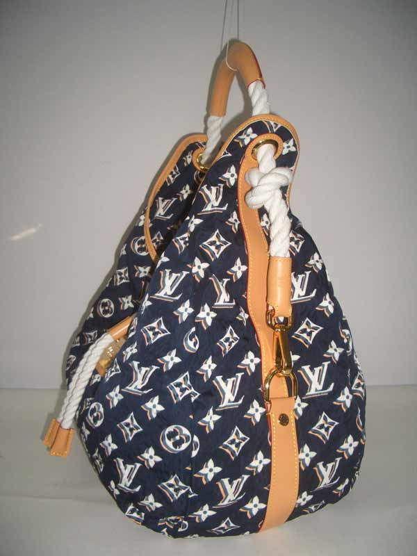 LV Monogram Bulles GM  Navy  M40233