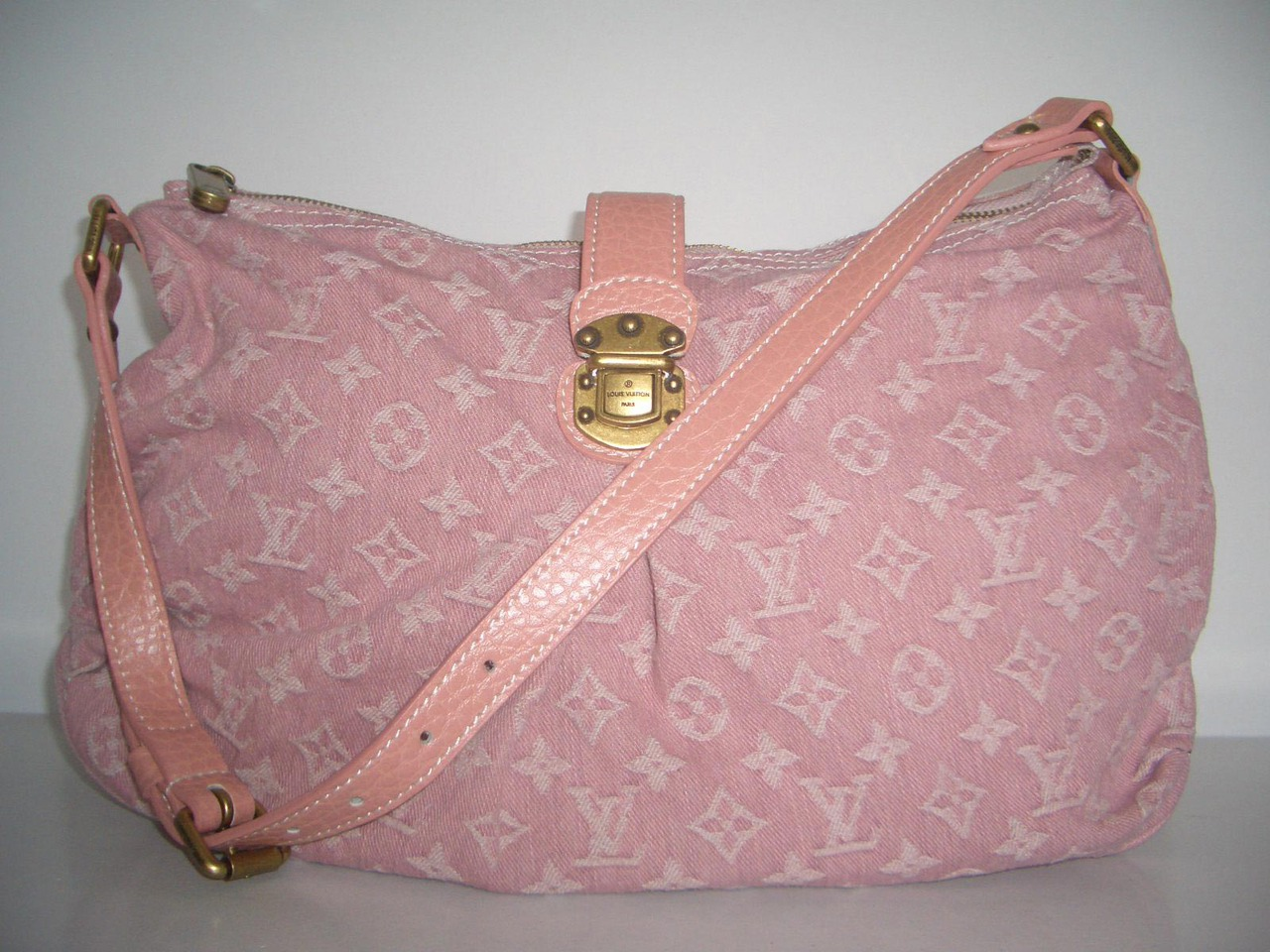 LV Monogram Idyle Slightly Denim Pink  M95833